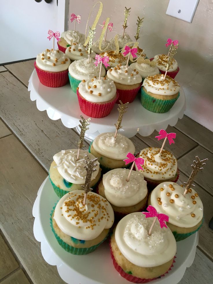 Bows or Arrows-- Cupcakes