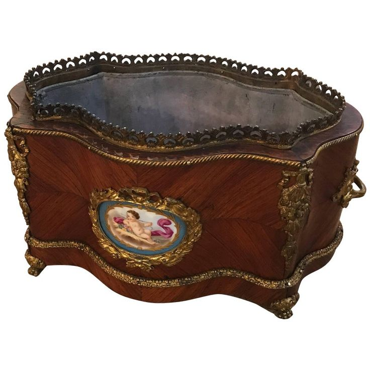 19th Century French Tulip Wood Jardiniere Planter With Liner