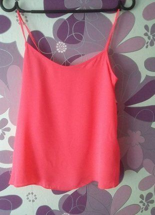 Kup mój przedmiot na #vintedpl http://www.vinted.pl/damska-odziez/koszulki-na-ramiaczkach-koszulki-bez-rekawow/18753955-rozowa-koszulka