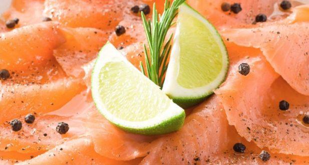 Un gustito en la mesa: carpaccio de salmón hecho en casa