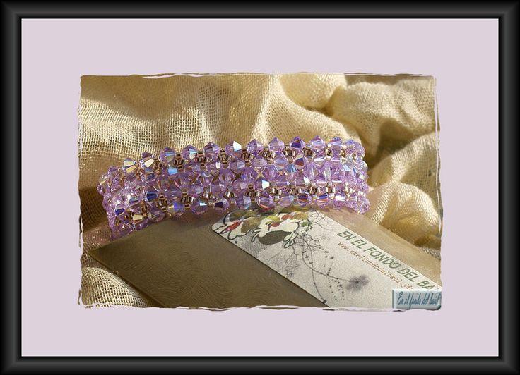 Pulsera Pasodoble Violeta - Tupis de cristal Swarovski en color violeta con delicas Miyuki plateadas y cierre de seguridad de filigrana plateada.