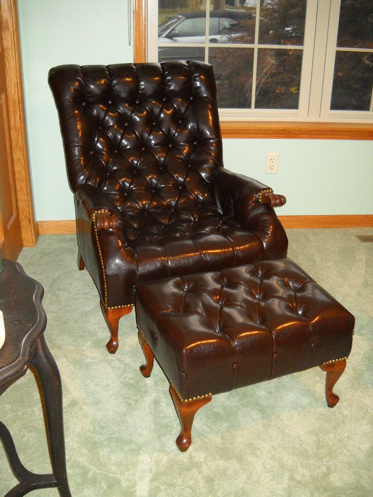 Beautiful Sleepy Hollow Chair. This Is Done With A Single Piece Of Fabric On The Chair