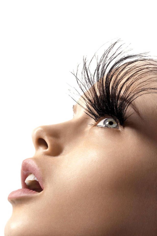 One beauty editor shares the pros and cons of eyelash extensions.