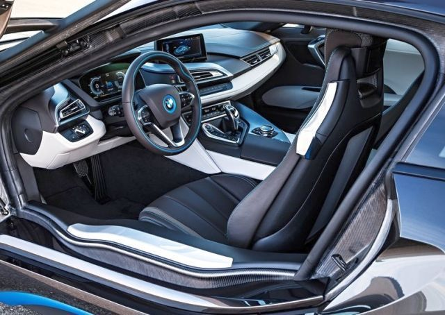 Awesome BMW 2017: 2015 BMW i8 Electric Sport Car | OopsCars Car24 - World Bayers Check more at http://car24.top/2017/2017/07/18/bmw-2017-2015-bmw-i8-electric-sport-car-oopscars-car24-world-bayers/