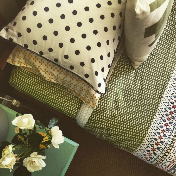 How to pattern clash bed linen