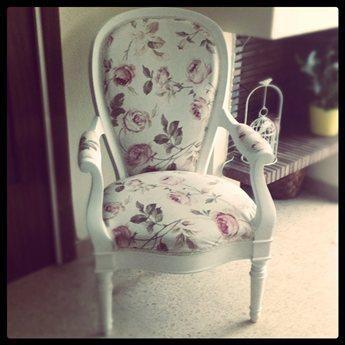 Silla tapizada en estampado floral muebles pinterest sillas tapizadas tapizado y estampado - Sillas provenzal tapizadas ...