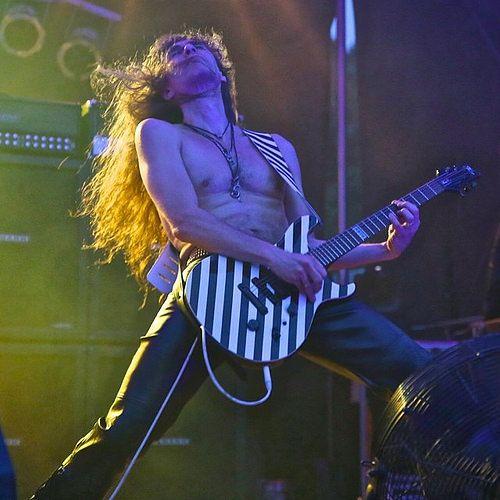 #axelritt #gravedigger #live #metal #cordial #fameguitars #gitarrengurte.de #fakeleather #leatherette #imitationleather