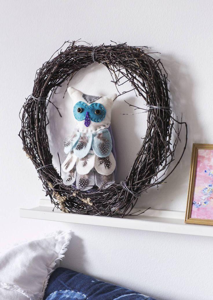 Tee itse pöllökranssi. Diy owl wreath decoration. | Unelmien Talo&Koti Toimittaja: Hanna Sandström Kuva: Satu Nyström