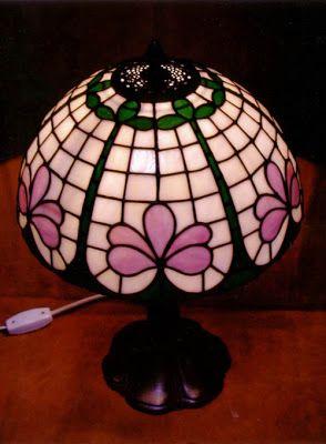17 mejores ideas sobre vidrieras tiffany en pinterest for Lamparas de mesa tiffany