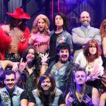 Diretamente da Broadway musical A Era do Rock segue em cartaz no Teatro Porto Seguro em São Paulo