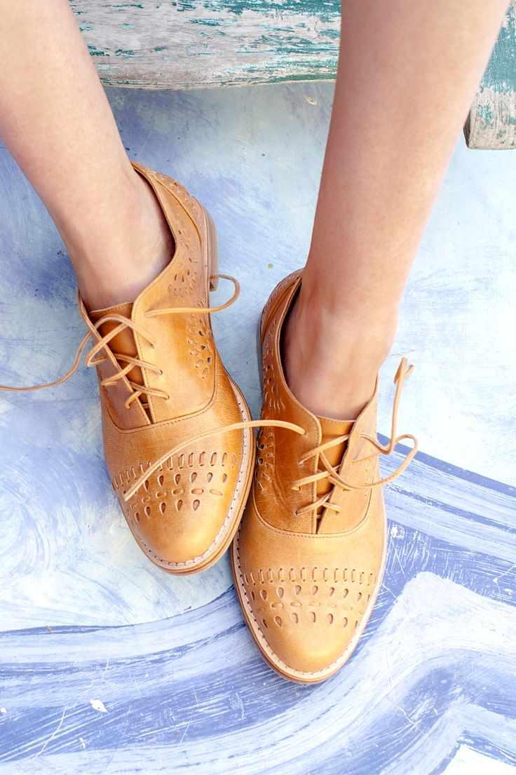 Looking for a perfect pair of oxfords? Look no further. Handmade Heartbreak leather oxfords are brilliantly comfortable and uniquely detailed. Thanks to their versatility you can wear them with blazers, buttonups, and denim, or offset them with feminine pieces, like silk dresses, skirts and pastels. Come in 4 leather colors and all sizes.