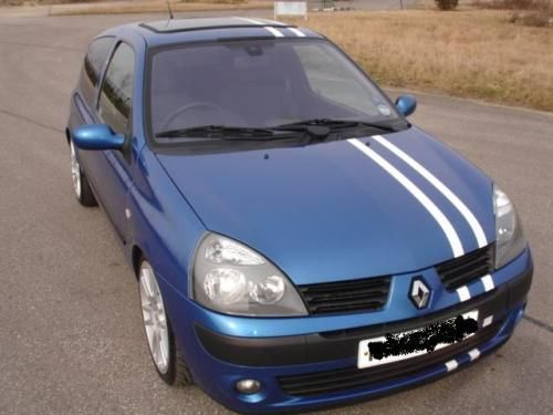 Why Have 143,000 People Viewed This Crappy Renault eBay Ad?