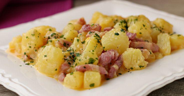 Patate alla carbonara, contorno sostanzioso o anche da preparare come piatto unico, un'idea sfiziosa da servire magari quando