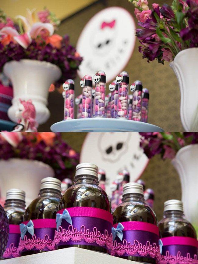 Mais uma decoração de festa Monster High cheia de inspirações para você produzir a sua! Não deixe de conferir as dicas!