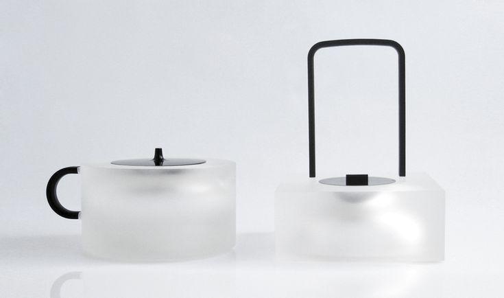 半透明    ランプこんな感じいいかも 有機的形状よりこういう機械的な形の方が爽やか?