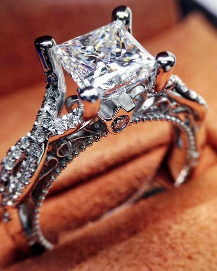 Don't let anyone dull your sparkle. #verragio #unlikeanyother #engagementring @wellyphoto