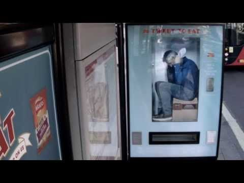 Walkers Crisps put Gary Lineker inside a Twitter Vending Machine - YouTube