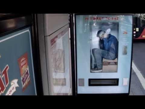 Walkers Crisps put Gary Lineker inside a Twitter Vending Machine - YouTube