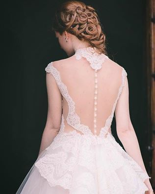 Beauty is the promise of happiness  (Stendhal) #Regina #BridalFashion #ModaSposa