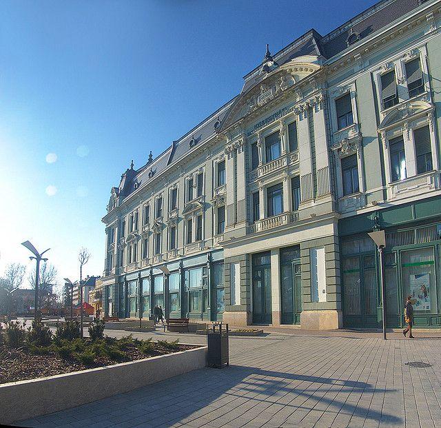 nyiregyhaza hungary  | Nyíregyháza - Kossuth tér, OTP Bank épülete, Hungary | Flickr ...