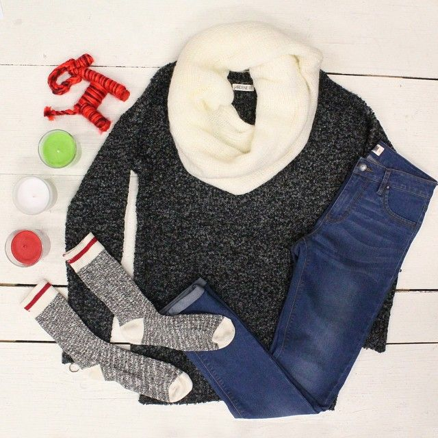 Everything you need for this holiday season :) #ootd #sweaterweather #ardeneholiday