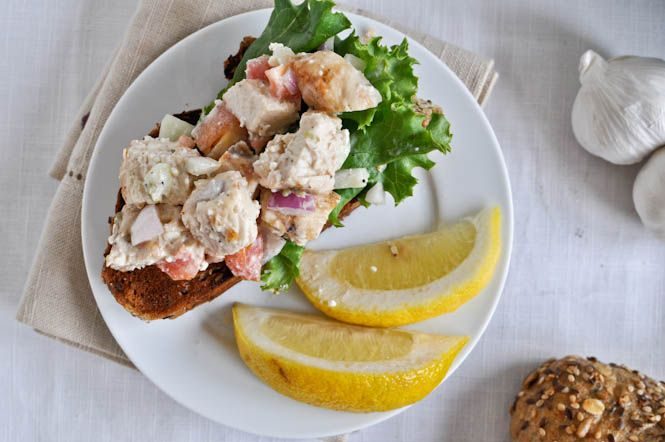 greek grilled chicken salad. #cleaneating #recipe