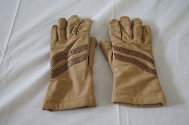 Vintage 1980's - Women's Driving Gloves Leggs - Thinsulate Gloves - Tan Size Women's Large by TheMercerStreetHouse on Etsy