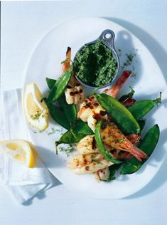 barbecued prawns with snow peas and mint salt