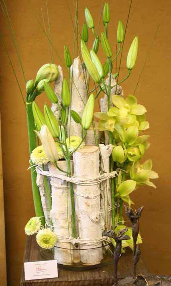European floral design 10 handpicked ideas to discover for Floral arrangements with branches