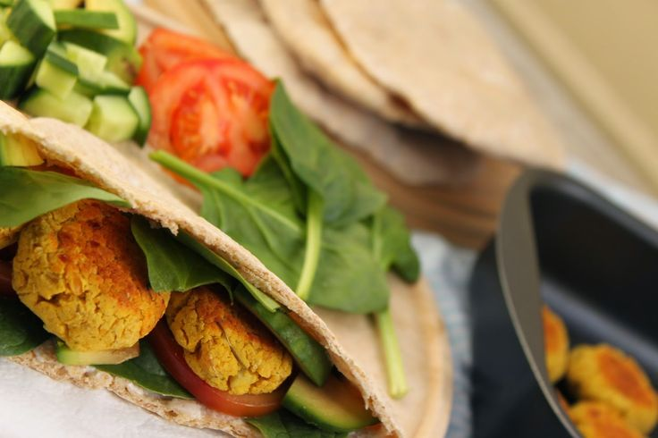 žít vege: falafel a domácí pita chléb