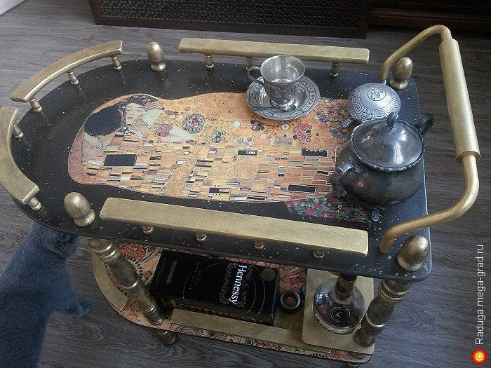"""Сервировочный столик """"Поцелуй""""  Г.Климт - Авторская работа, столы. МегаГрад - главный ресурс мастеров и художников"""