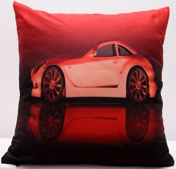 Povlak červené barvy s motivem bílého auta