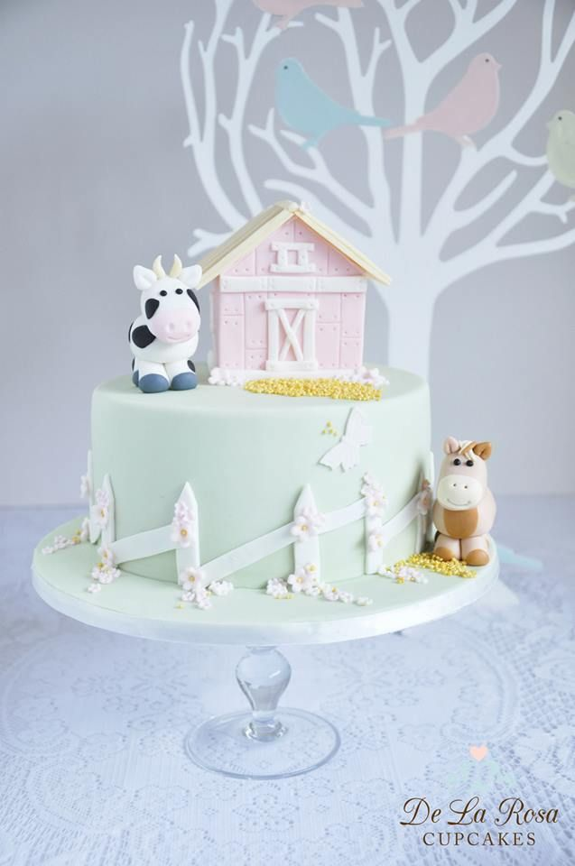 Using the tree design, I would make a fall themed cake. Oh the possibilities!