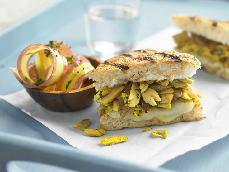Make Life Easy with this Tuna and Curry Mayo Panini recipe! LIKE us at https://www.facebook.com/goldseal  #PinToWin #NoDrainer #MakeLifeEasy