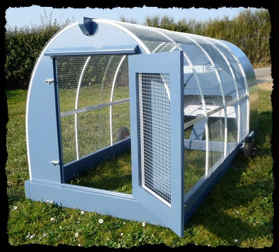 poulailler mobile chicken tractor mobile stagecoach. Black Bedroom Furniture Sets. Home Design Ideas