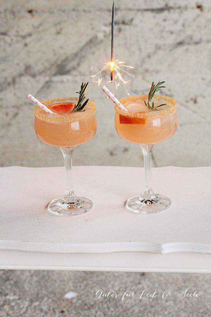 GIN-gle bells! (Gin-Grapefruit-Rosmarin-Tonic)