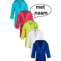 Bestel vandaag nog een kinderbadjas in een leuke kleur en voorzie de badjas van een borst- en of rugborduring.