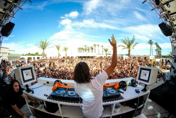 Daylight Beach Club Las Vegas pool party at the Mandalay Bay Hotel and Casino