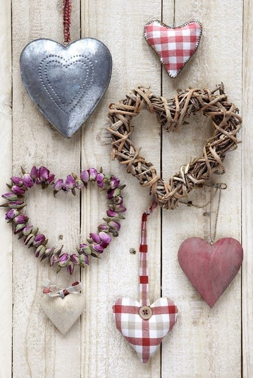 Gorgeous collection of hearts. I'm not so much into country anymore but, I am still drawn to wonderful little rustic ones like these.