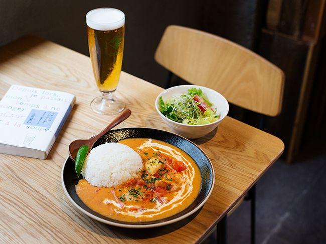 Kakululu in 東池袋:人気のランチメニュー「ムケッカ」はブラジル風シチュー(1080円、+250円でビールも)。シーフードがたっぷり入り、魚介のエキスとココナッツミルクの調和が絶品