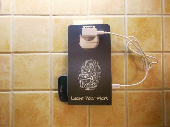Cell Phone Holder Wall Socket NOTON FINGERPRINT BW by econdesign