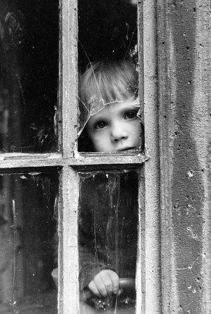 Черно-белые фото, детские эмоции.