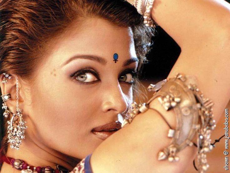 #AishwaryaRai, #Bollywood, #ShahRukhKhan, #India