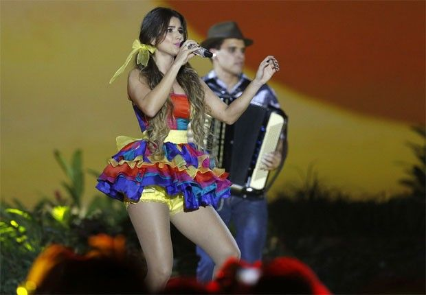 paula fernandes vestido colorido - Pesquisa Google