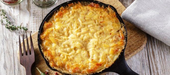 Winterse Gehakt, Groente en Bonen Ovenschotel onder een dakje van Aardappelpuree