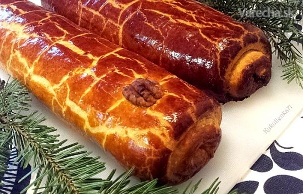 V niektorých rodinách na Vianoce bajgle nesmú chýbať:-) Tiež sú trvanlivejšie, upiekla  som makové a orechové.