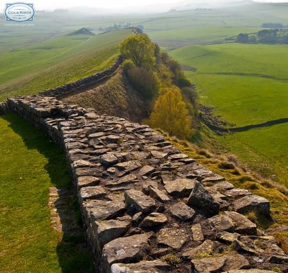 #Hadrian'sWall was built as a defensive fortification in Roman #Britain. Today, it can be followed on foot along Hardrian's Wall Path. One of the most popular tourist attractions in Northern England, it is now a UNESCO World Heritage Site.