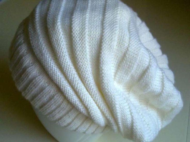 Modelli di cappelli a maglia - Cappello di lana bianco morbido