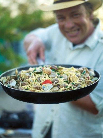 Spaghetti Vongole | Pasta Recipes | Jamie Oliver Recipes#TblsOMgfFYF3MeDi.97