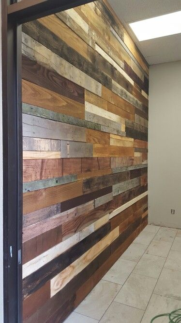 Wood Pallet Wall Made From Fence Boards And Pallets From